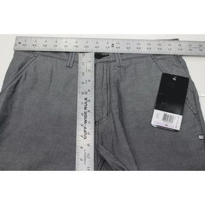 Oakley Shorts - Mens 32 L10 Oakley Oxford gray golf shorts casual